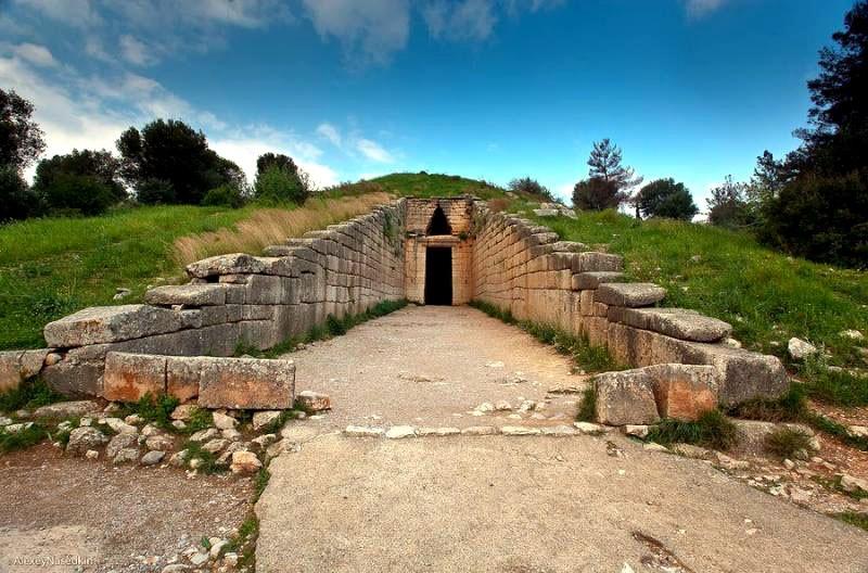Εικ.4β: Ο τάφος του Ατρέα