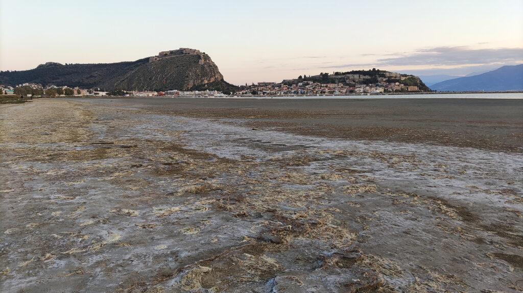 Στεριά εκεί που υπήρχε θάλασσα στο Ναύπλιο